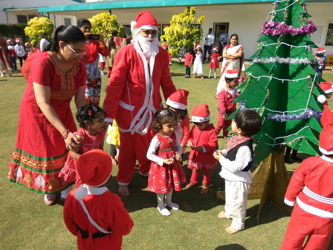 essay on christmas celebration in school Essay on christmas in hindi अर्थात इस आर्टिकल में आप पढेंगे, क्रिसमस पर निबंध.